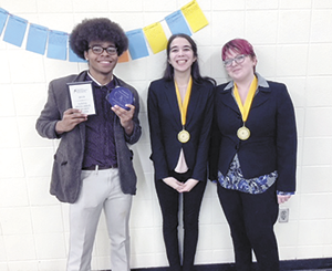 ERHS Speech & Debate qualifies for 1st national competition