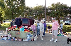 Senior Center hosts tailgate market