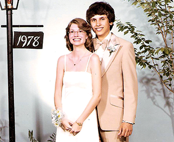 Three decades later, high school sweethearts finally marry