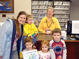 Lions Club book giveaway at Mountains Branch