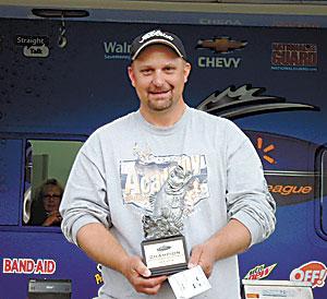 Hoyle Wins Bass Fishing League South Carolina Division On Lake Wylie