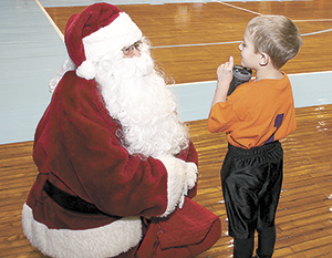 Santa Visits Spindale House