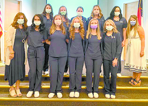 First group of Isothermal dental assistants graduates
